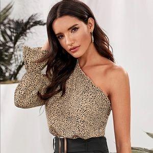 Dalmatian one shoulder ruffle trim top